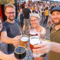Manuela, Sven, Tonia, und Alex von klarnordisch waren auf dem Bierfest in Oldenburg unterwegs. (Foto: Claus Hock)