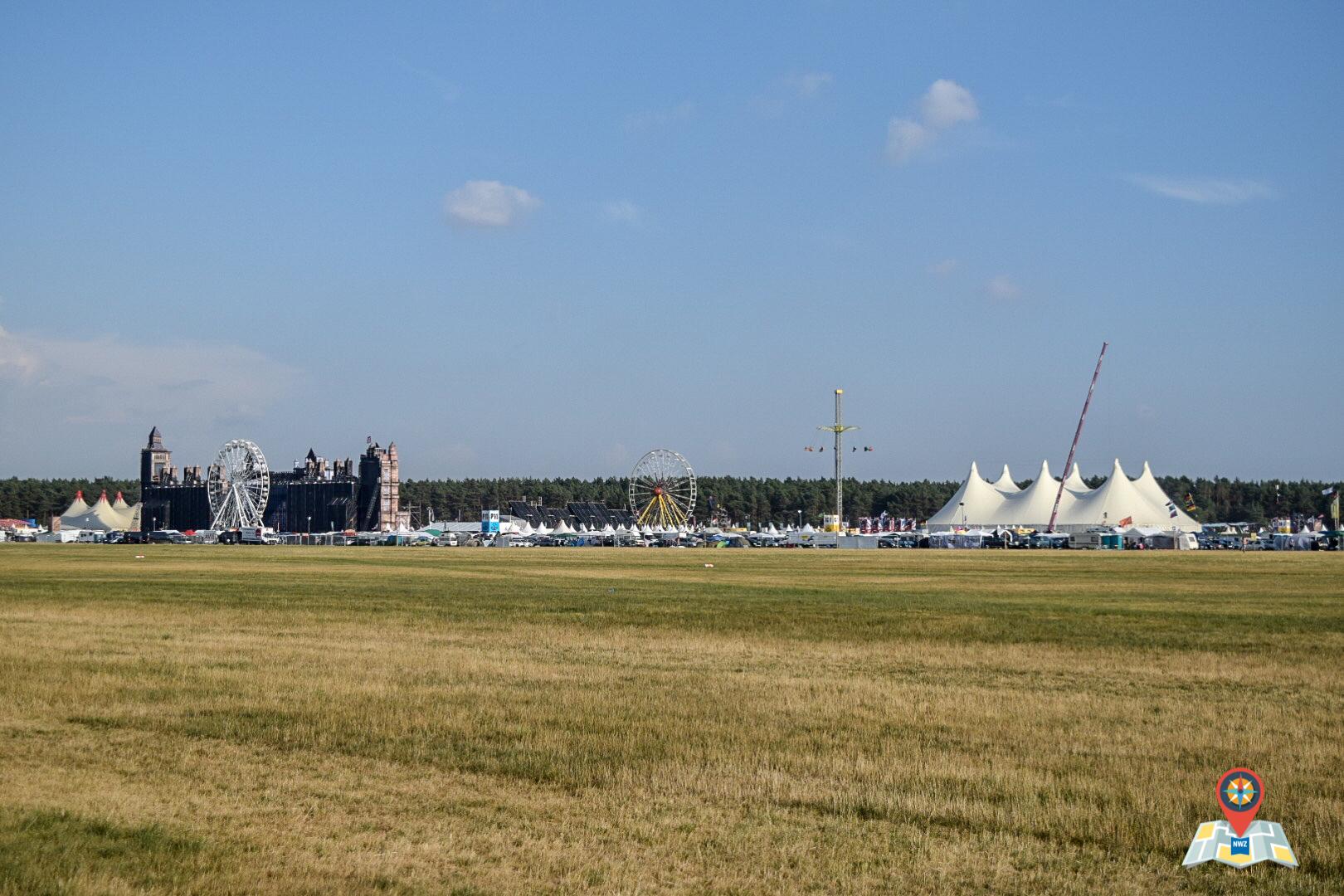 Ein Überblick über das Gelände des Airbeat One 2018 (Bild: Chelsy Haß)