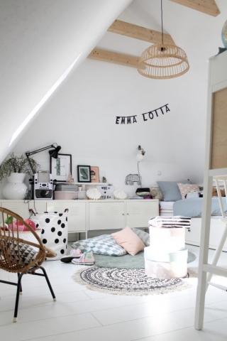 Der von Britta gestaltete Wohnbereich im Dachboden