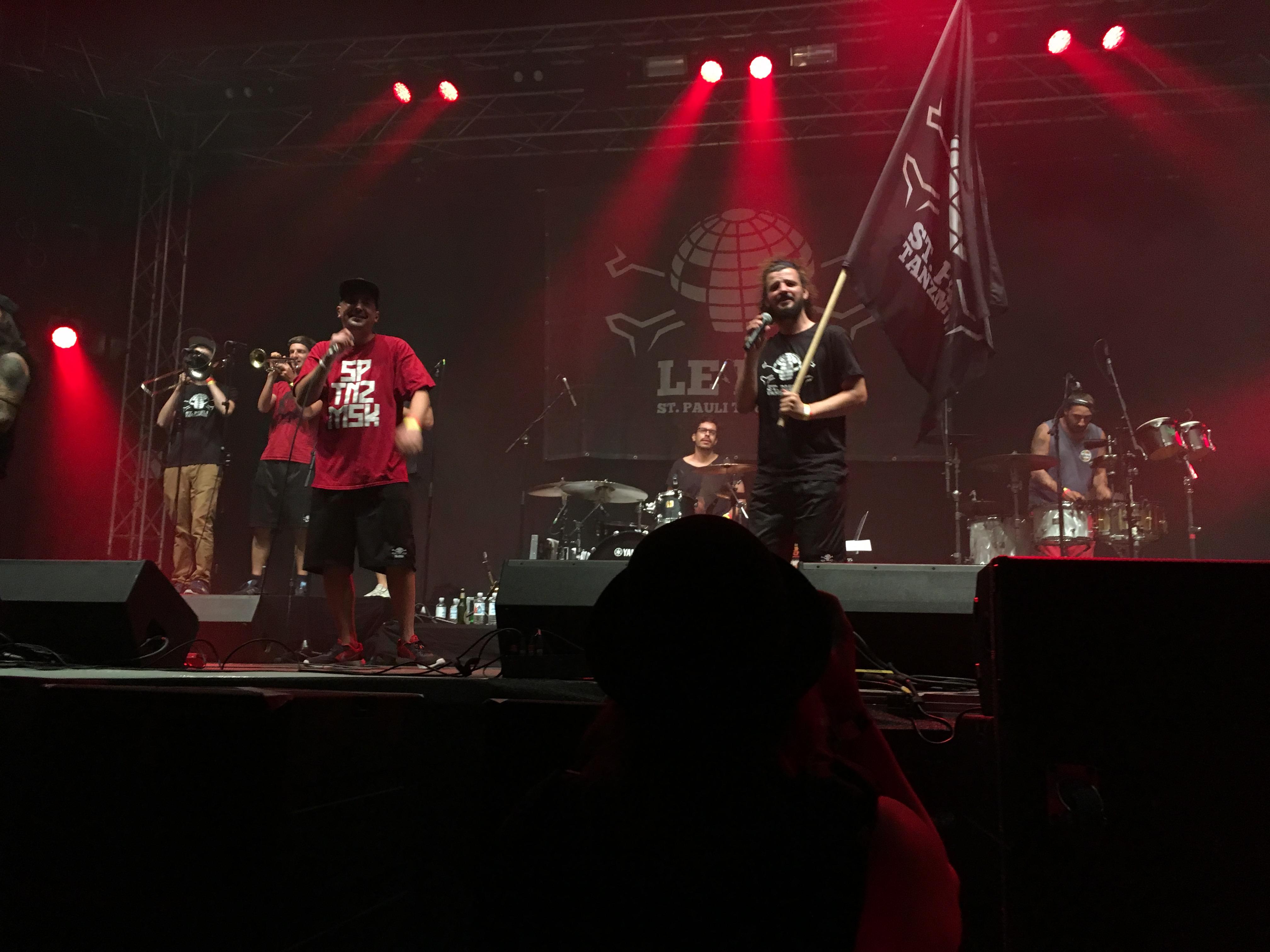 "Brachten Tanzmusik aus St. Pauli in den Fan-Dome: ""Le Fly"" (Bild: Verena Sieling)"