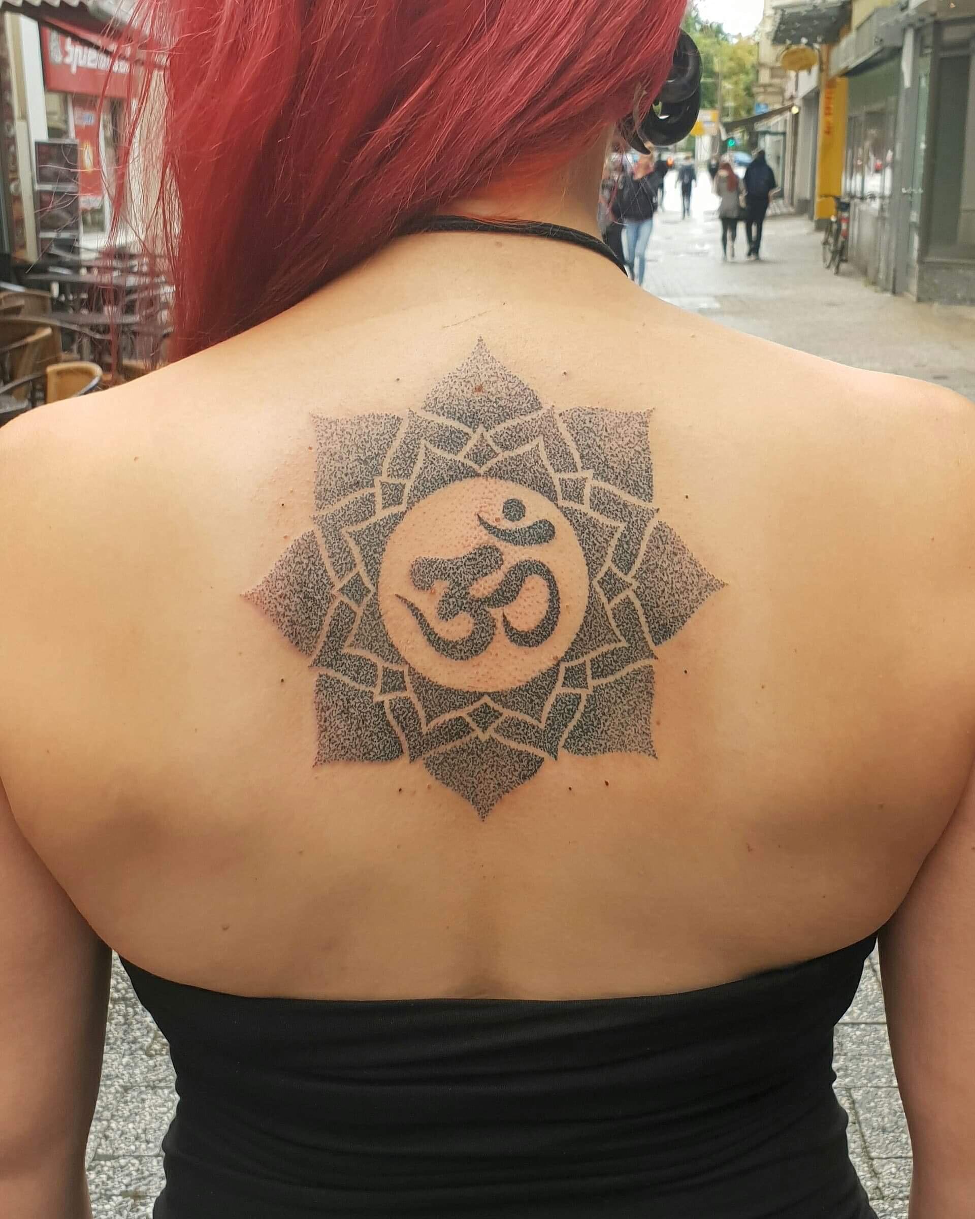 Hand Poked Tattoos Kunstwerke Mit Einer Nadel