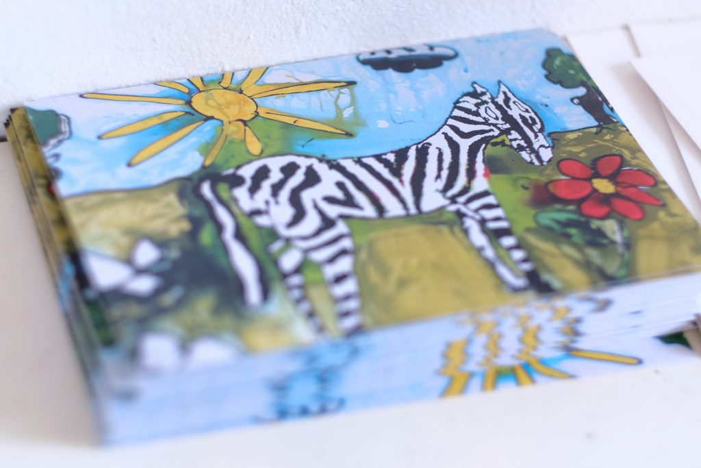 """Das Bild """"Zebra"""" soll Mittelpunkt der Ausstellung sein. Deshalb ziert es auch die Einladungskarten. (Bild: Christian J. Ahlers)"""